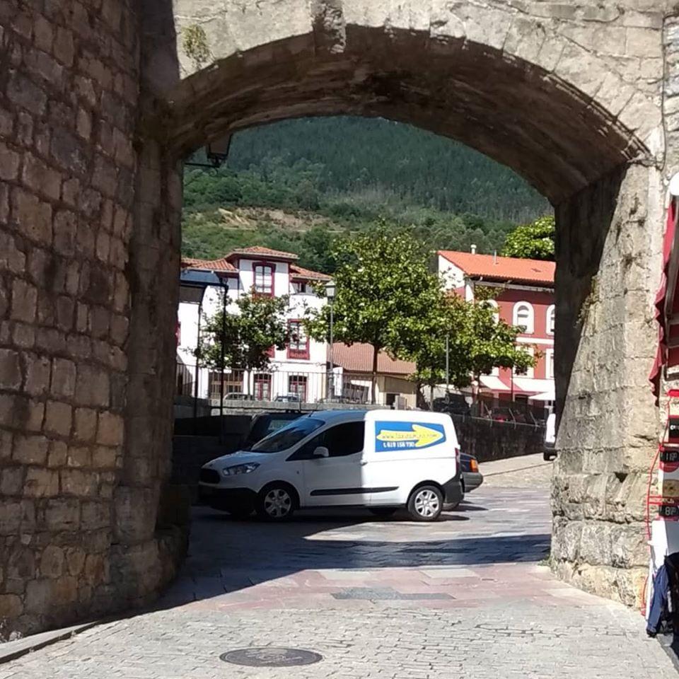 TaxiCamino en Salas, puerta del occidente asturiano